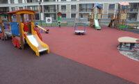 Выбираем покрытие для детской площадки – пять популярных видов покрытий