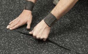 Как правильно выбрать надежную компанию для монтажа резинового покрытия