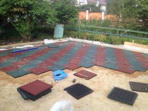 Из чего делаются резиновые плиты для улицы в нашей компании