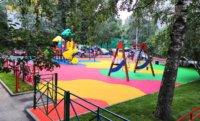 Зачем нужно покрытие из EPDM крошки на детских площадках?