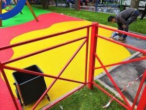 Какое основание на детской площадке будет лучше: песок или резиновая плитка?