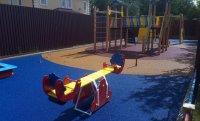 Как выбирать правильное резиновое покрытие для детской площадки